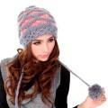 Модные женские вязаные шапки 2017 года